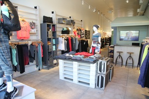 PERFECT SPACE FOR A BOUTIQUE STORE IN NOHO!! ELIZABETH/PRINCE--GREAT LOCATION FOR YOUR BRAND